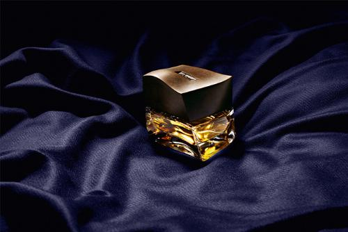 The luxurious experience of wearing a Brioni Su Misura suit translated into a fragrance