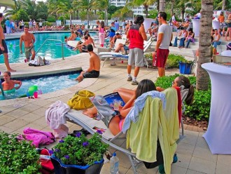 miami_pool_party-1018x764