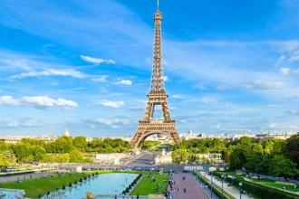 эйфелева-башня-в-париже-768x1024