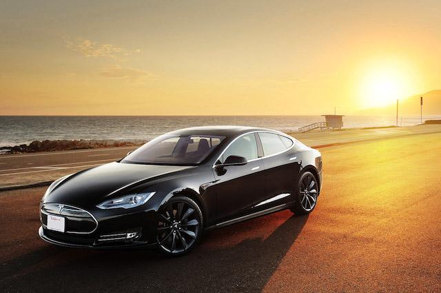 Tesla-Will-Upgrade-Model-S-via-Internet