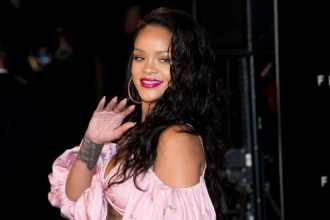Sephona 'Fenty Beauty' Rihanna Photocall