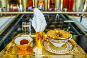 В отеле Дубая начали подавать золотой капучино