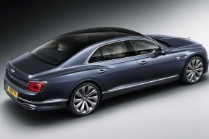 Bentley показала седан Flying Spur
